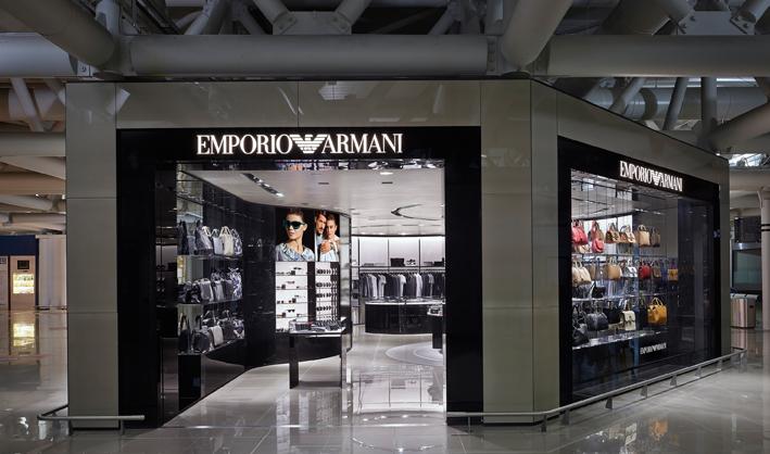 New emporio armani store opens at rome fiumicino t3 for Armadi outlet