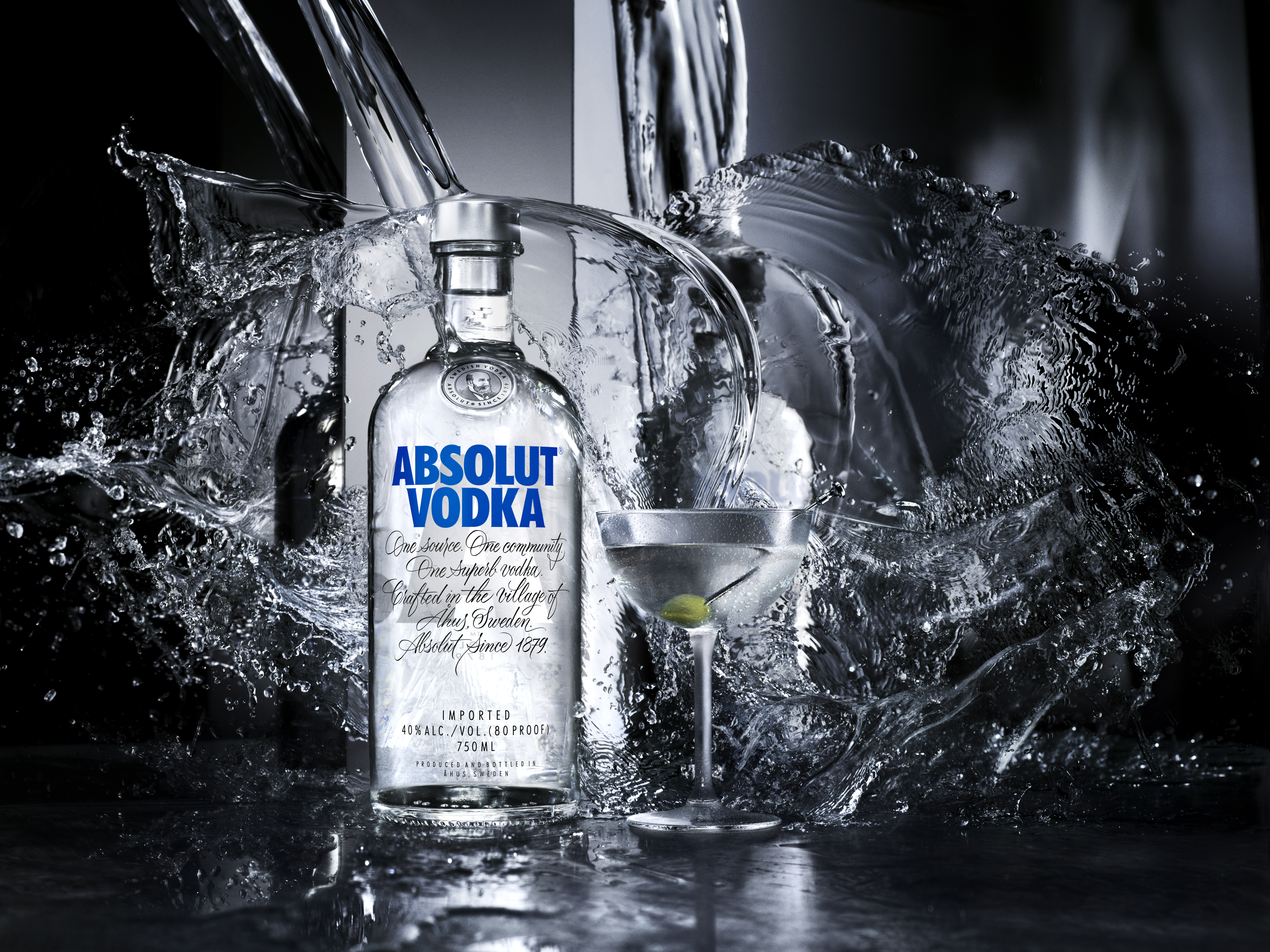 absolut vodka unveils bottle redesign. Black Bedroom Furniture Sets. Home Design Ideas