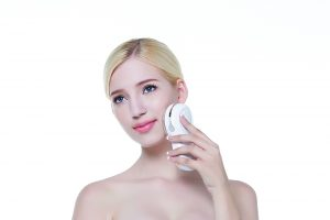 Lifetrons' Beauté range makes use of light therapy and radio frequency technology