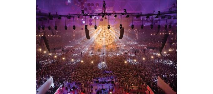 Amsterdam Arena 'Source of Light' show uses 1.5km of LED
