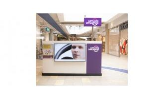 Samsung Smart Signage Platform and Signagelive enhance insurance provider's promotional activities