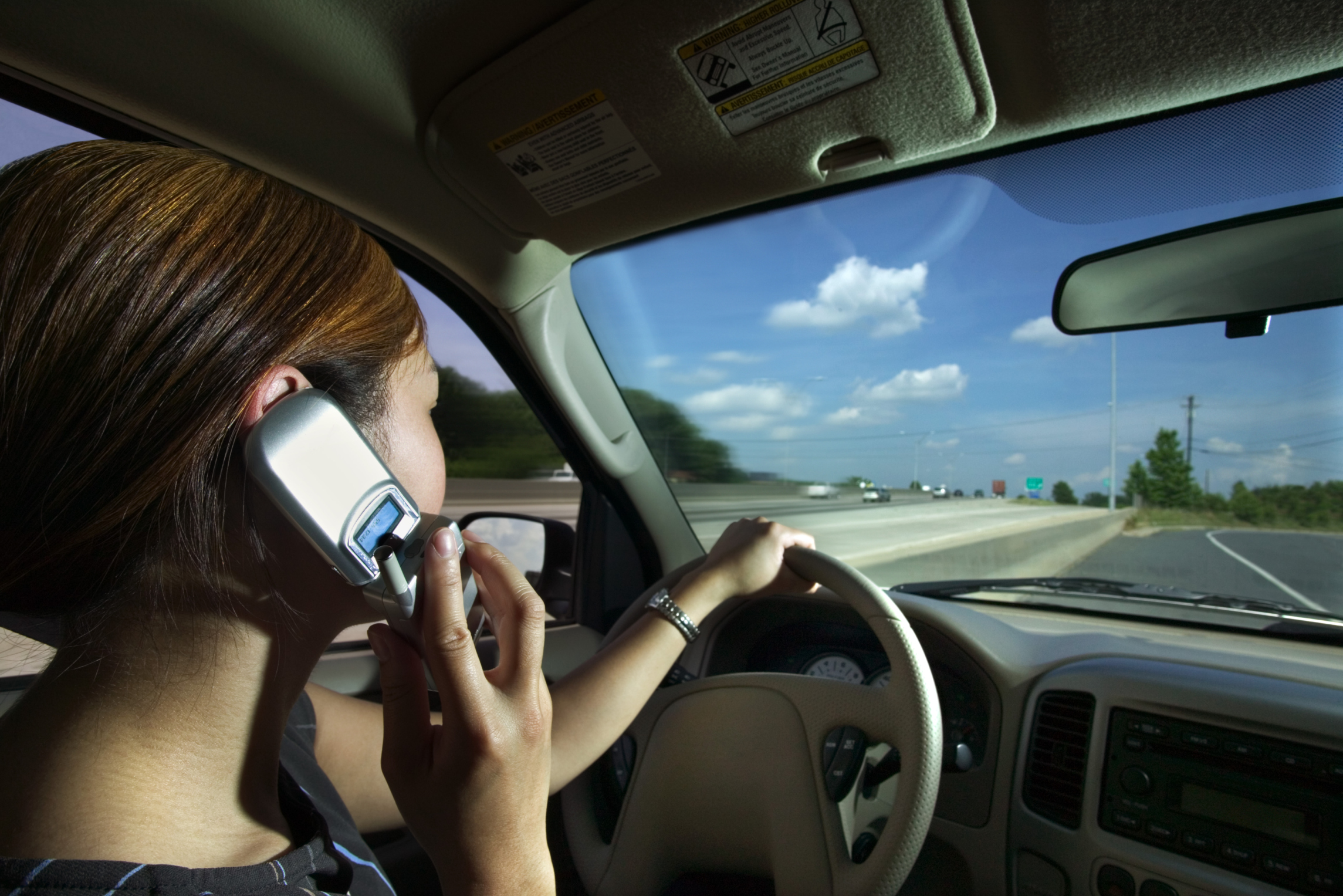 cell phones and driving All cell phone use: no state bans all cell phone use for all drivers, but 38 states and dc ban all cell phone use by novice drivers, and 20 states and dc prohibit it for school bus drivers text messaging: washington was.