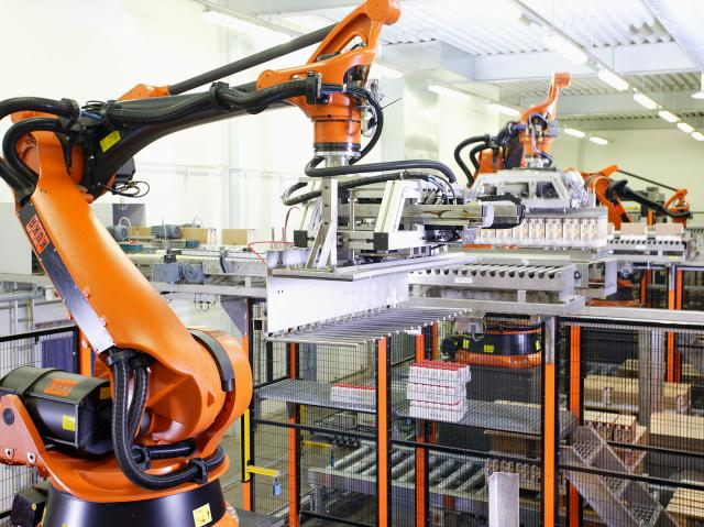 Kuka Signs First Uk Systems Partner In Deal With Kensal