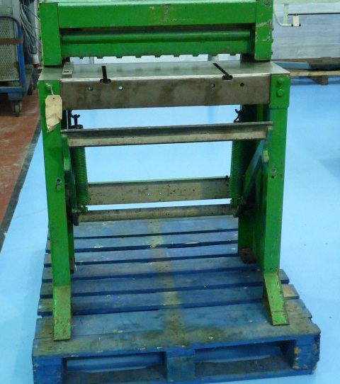 Edwards 610 x 1.5mm 24″ x 16g Treadle Shear